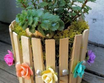 Decorative Clothes Pin Garden Themed Multi-use Vase
