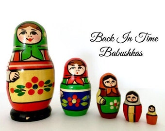 Nesting Doll, USSR Zagorsk Nesting Dolls, Vintage Nesting Dolls, Babushka Dolls, Matryoshka Dolls, Stacking Dolls, Wooden Miniature Dolls.