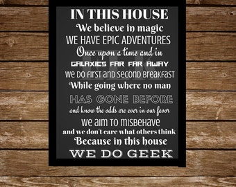 In this house we do geek sign