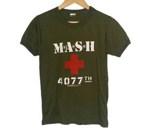 Vintage MASH T-shirt 4077th 1981 Army Military Shirt Tv Show 80s Size Medium