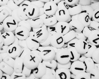Set of black and white (Pack of 20g) alphabet beads