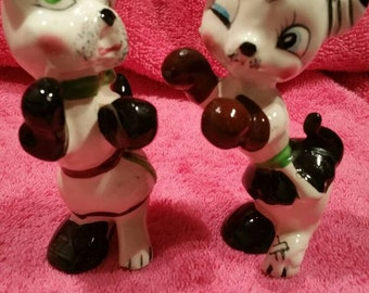 Vintage Boxing Cats with Brown and Black Gloves Salt and pepper shakers