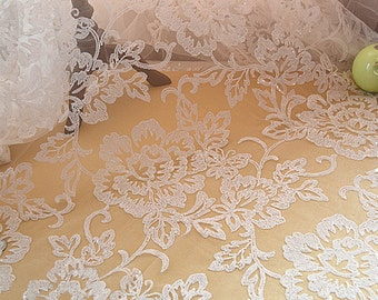 Width 55.11 inches ivory wedding lace fabric,flowers lace fabric Sequins,floral lace fabric ,lace for DIY dress,width 140CM-1 meter(120-92)