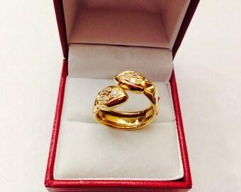 Vintage 18K CZ Ladies Ring
