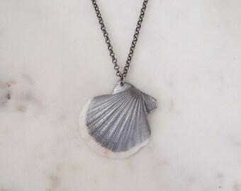 Scallop Seashell Necklace - Silver