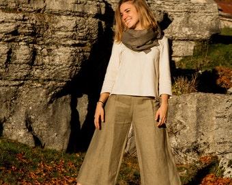 Divided skirt in hemp