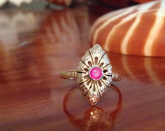 Vintage 14k gold and ruby ring