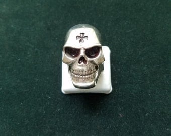 Sterling Silver Skull ring with black maltese cross in forehead. Size 14. 2