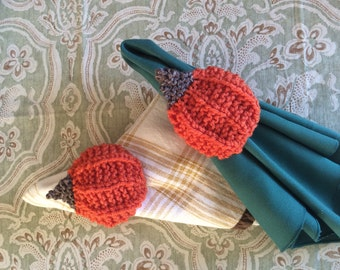 Knit Pumpkin Napkin Rings and Pumpkin Centerpiece