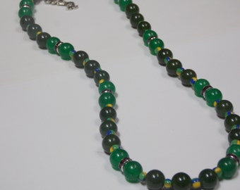 Beaded hand made necklace w/Olive green agate