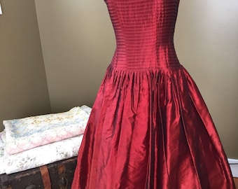 1950s Red Sweetheart Dress