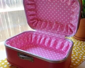 Refurbished Vintage Train Case, Pink