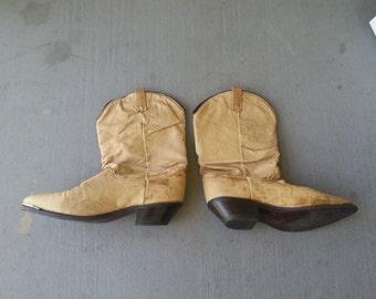 Vintage Tan Dingo Size 8 Leather Western Boots