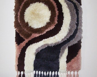 """Vintage 1970's Shag Wall Hanging With Fringe - Retro Wall Decor in Earth Tones - Hooked Textile Art - 25"""" x 38"""""""