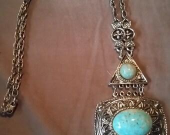 Silver tone Vintage Necklace