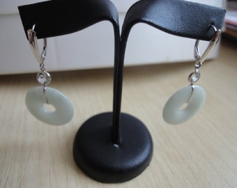 WHITE GOLD EARRINGS with Jade discs and facetted aquamarines