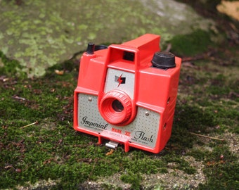 Vintage, collectible Imperial Mark XII camera