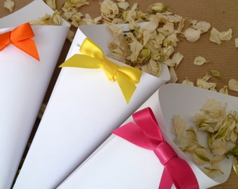 10 confetti cones with a ribbon bow. Choice of cone colours and ribbon colours.