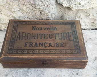"Box wood old marked ""New Architecture française"""