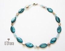 Blue semi precious stones necklace, gemstones choker, short modern elegant nacré necklace, handmade jewelry