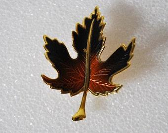 Retro Age Maple Leaf Pin