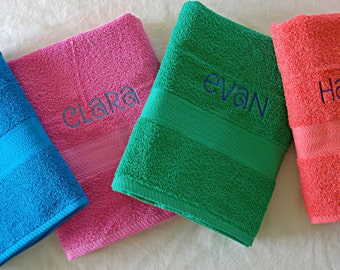 Terrycloth PERSONALIZED BATH TOWEL (Name) Kids Child's Bathroom Decor Boy or Girl / Gift / You choose colors and font!