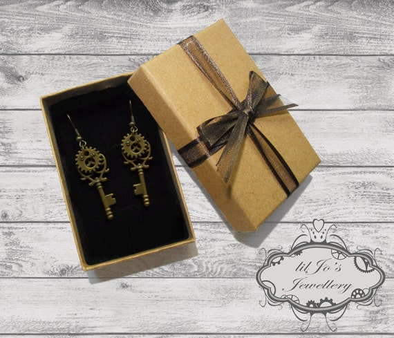 Key and Cog Earrings with Gift Box. steampunk, cosplay, steampunk jewellery, steampunk gift, steampunk accessory, gift box, gift for her.