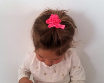Flower hair clip,Hot pink hair clip,hair accessory,hair pins baby,baby hair clip,toddler,girl,woman,baby hair accessory,baby girl hair bows