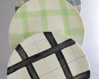 Mismatch plate/saucer set - criss-cross patterns in different colours, from the 1950s, 7 in total