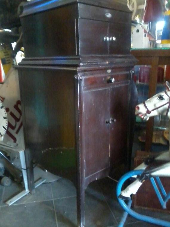 - ITONIA ANTIQUE Gramophone Cabinet Floor Model Vintage 1920s