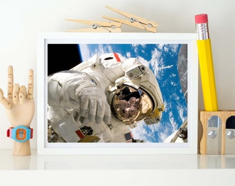 NASA Astronaut Discovery/ISS space walk, A3/A4 Crystal Archive Print