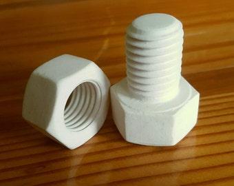Porcelain Nut and Bolt