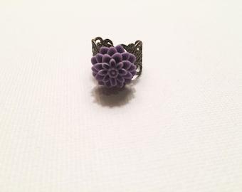 Adjustable purple floral ring