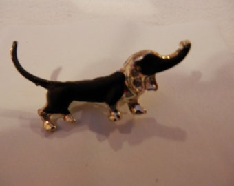 Vintage 1960's Gold Metal Enamel Dachshund  wiener dog  Brooch Pin