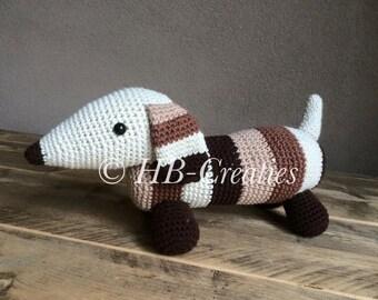 Crochet dachshund, stocking stuffer, stuffed dog, dog plushie,, amigurumi dachshund, teckel, cute puppy, dachshund toy