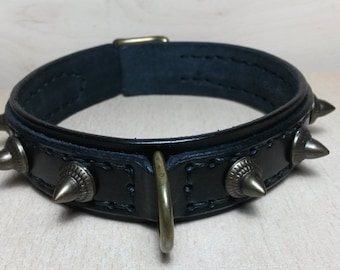 narrow leather collar