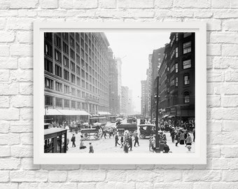 Chicago - Illinois - State Street - Marshall Fields - 1911 - Horse & Carriage - Old Chicago - Art Photography - Black White - Street Scene