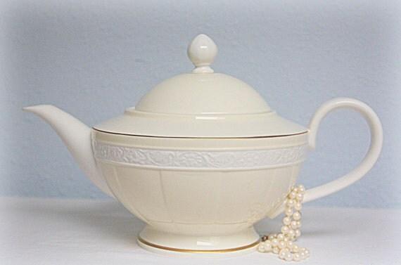 Vintage Villeroy & Boch Bone China Teapot, Ivoire Collection