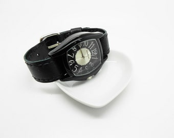 Watch classic black leather handcrafted clasp buckle removable strap