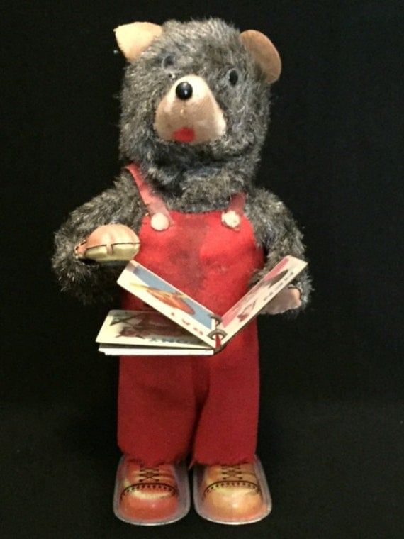Free Shipping-Working-Vintage-1950's-Made Japan-Wind Up-Tin-Magnetic Book-Cubby Bear-Toy