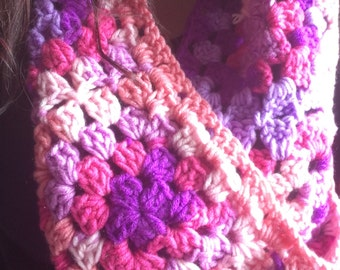 Big granny square scarf pink/purple chunky crochet.