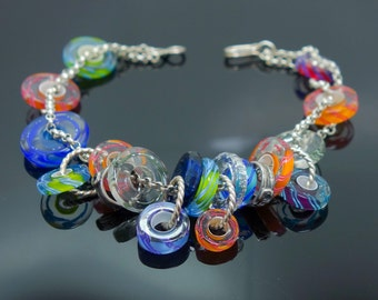 Art Glass Bracelet Handmade Studio Jewelry Art Glass Disc Bead Vintage Beaded Jewelry