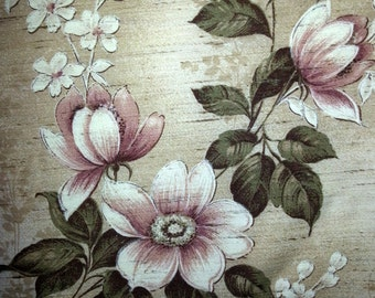 Vintage floral curtains with large multi color flowers in linen / cotton from Scandinavia Sweden 1950s.
