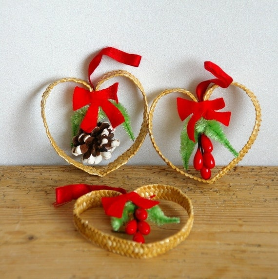 Vintage Christmas Straw Ornaments. Sale. Set By