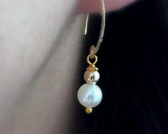 Gold Pearl Open Hopp Earrings, Dangle Pearl Earrings, White Pearl Earrings, Bridal Pearl Earrings, Weding Earrings, June Birthstone