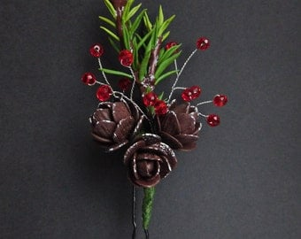 Christmas gift Christmas tree Pine cones hair pin Winter hairpiece New Year gift Nature hair style Woodland hair pin Red green pin