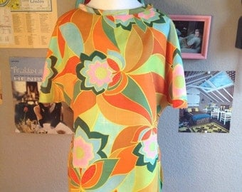 20% off Summer Sale 1960's Psychadelic Mod Floral Alex Colman Top/ Size Small