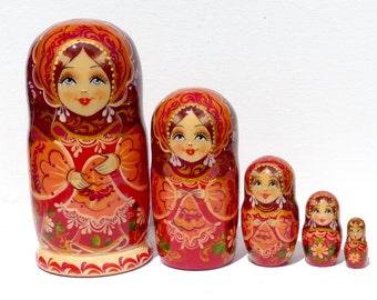 Nesting dolls (5 pcs)  - Russian nesting doll - Babushka dolls - Stacking dolls - Painted Nesting dolls -Russian dolls
