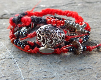 Bracelet wrap black and Red