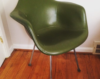 Mid Century Naugahyde Fiberglass Bucket Chair